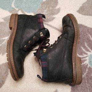 Tommy Hilfiger Black Leather Boots plaid accents